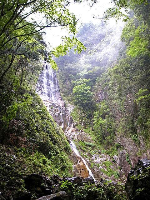 隠れ滝03