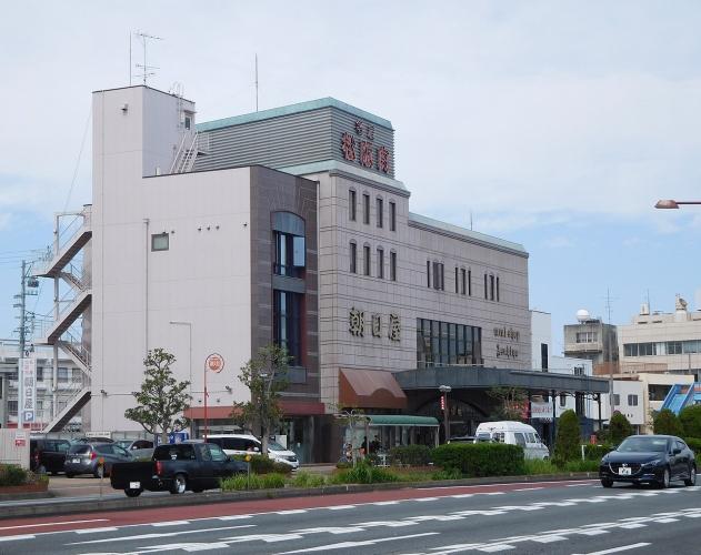 1280px-Meat_Shop_Asahiya.jpg