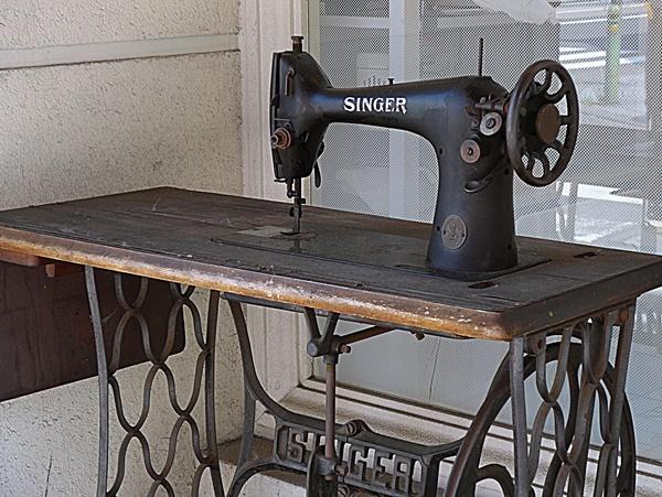 sewing machine190922
