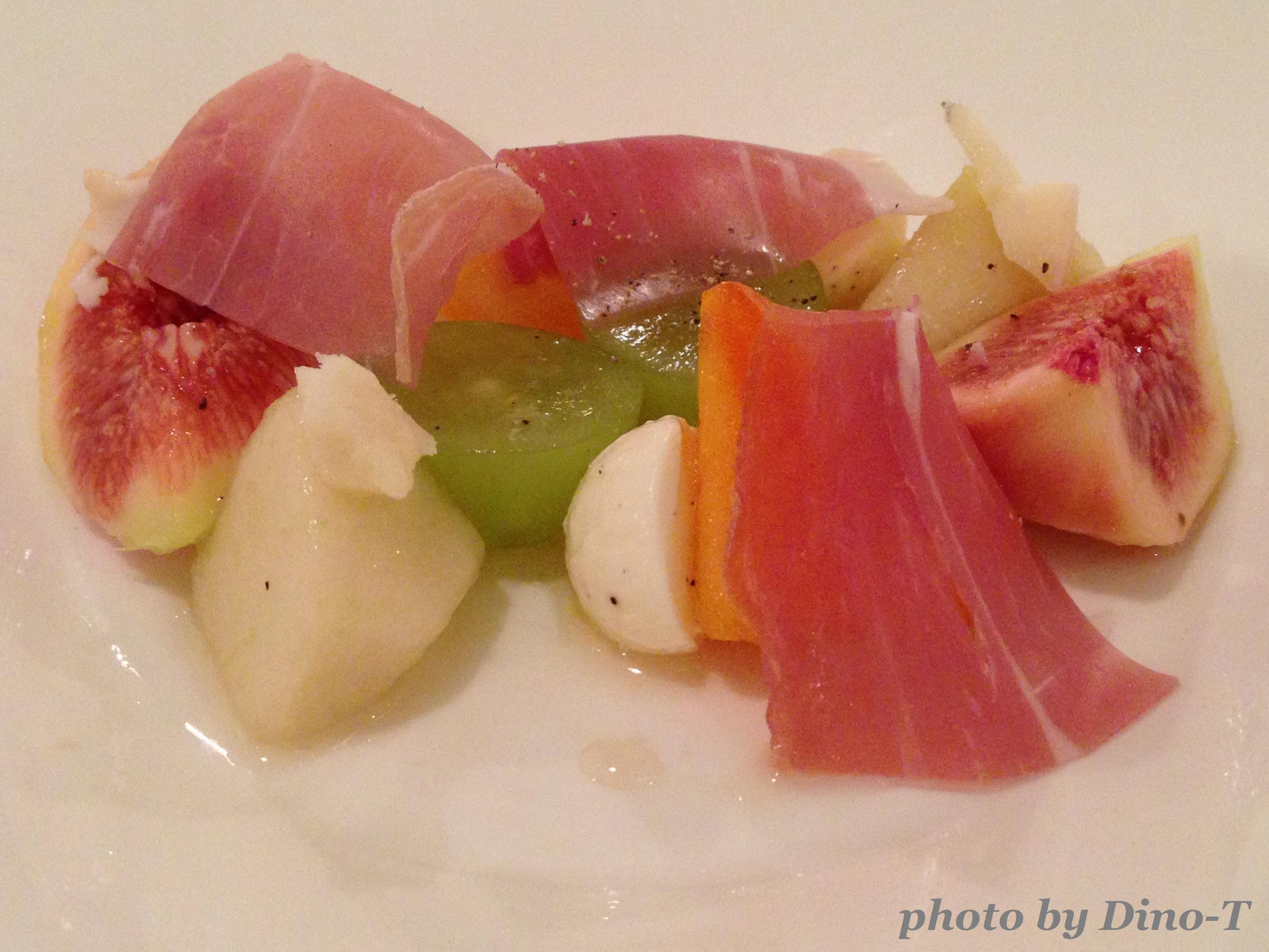 生ハムとフルーツの前菜2