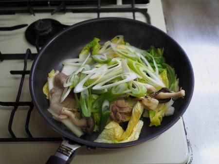 白菜にんにく炒めラーメン022