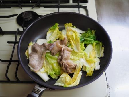 白菜にんにく炒めラーメン021