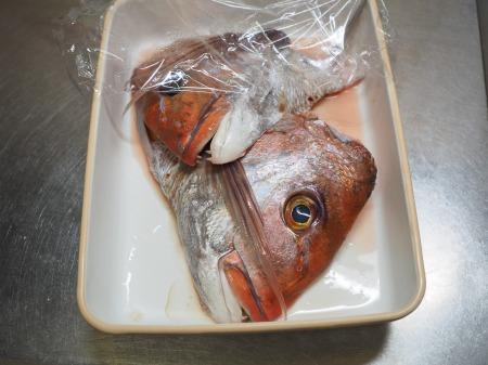 鯛かぶと煮018
