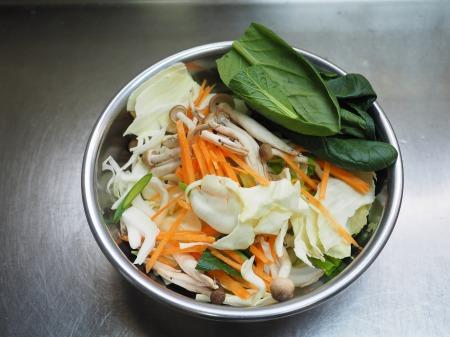 野菜たっぷりラーメン044
