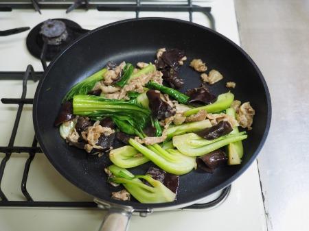 豚肉ときくらげの卵炒め木須061