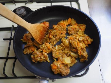 カレー粉で作る鶏むね肉カレ073