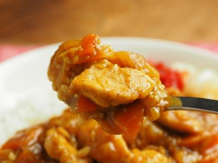 カレー粉で作る鶏むね肉カレ040