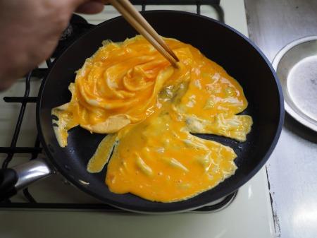 豚肉とにら、きくらげの卵炒め050