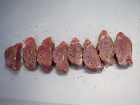 豚ひれ肉のポン酢漬けバター037