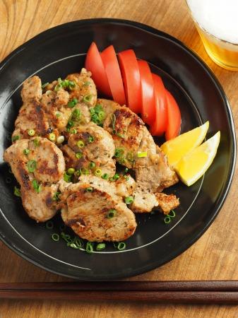 豚ひれ肉のポン酢漬けバター022