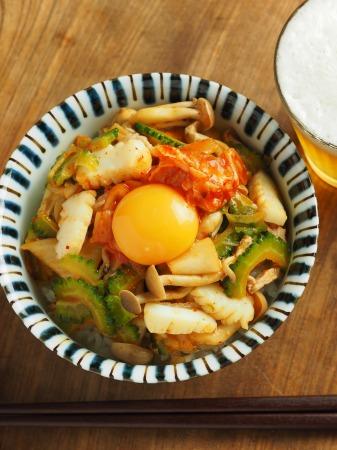 イカとゴーヤのキムチ炒め丼009