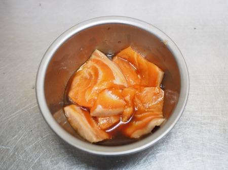 タコとサーモンのフルーツサラダ060