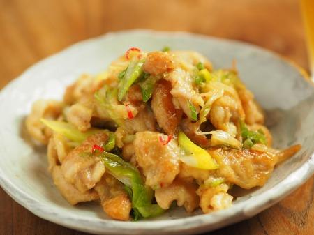鶏皮のピリ辛味噌炒め煮019