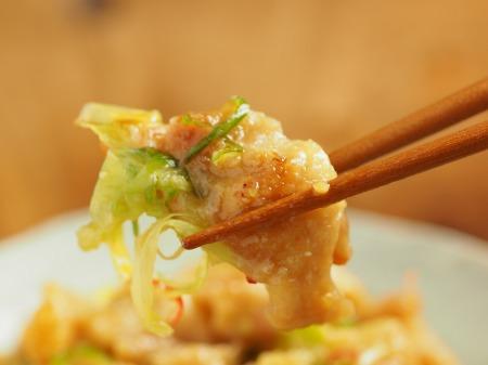 鶏皮のピリ辛味噌炒め煮024