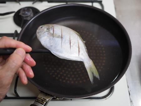 モチウオと厚揚げの煮付け040