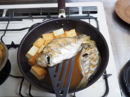 モチウオと厚揚げの煮付け056