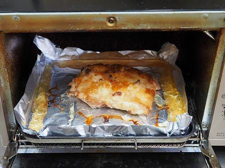 鶏むね肉のアンチョビ焼き、塩042