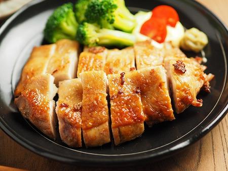 鶏むね肉のアンチョビ焼き、塩022