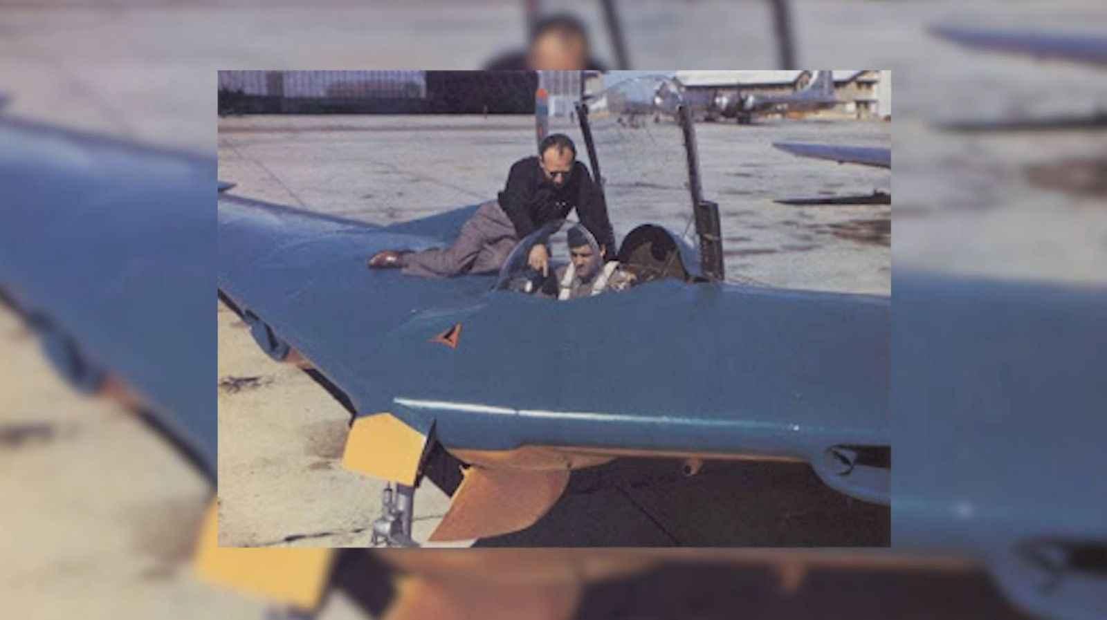 11_test_pilot_in_blue_Flying_Wing.jpg