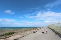 滑走路脇のビーチ