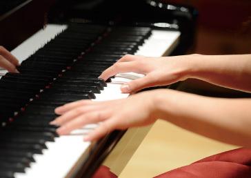 img_piano_work.jpg