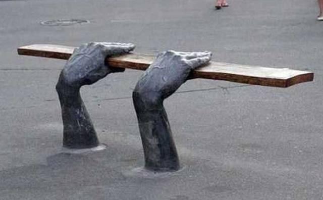 変った公園のベンチの画像(10枚目)