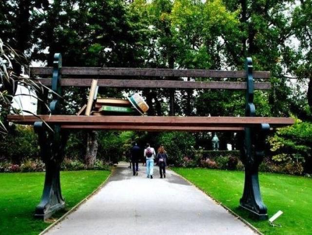 変った公園のベンチの画像(13枚目)