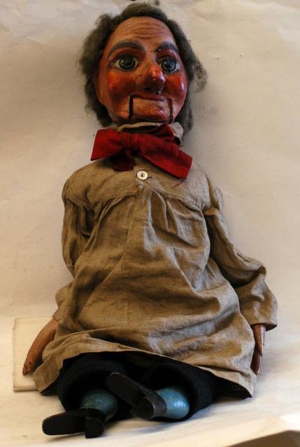 昔の腹話術人形の画像(4枚目)