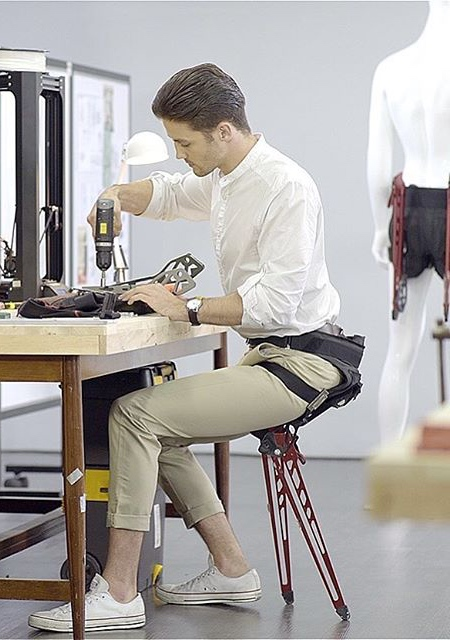 【画像】手に持たず!どこでも運べる椅子「LEX Chair」が魅力的!