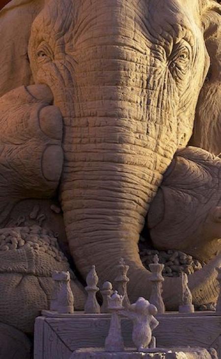 砂で作られたゾウの彫刻の画像(5枚目)