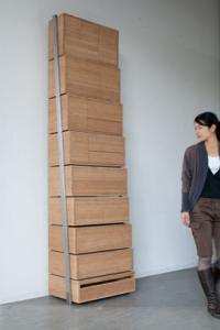 階段のように登れるタンス01