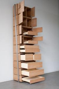階段のように登れるタンス02
