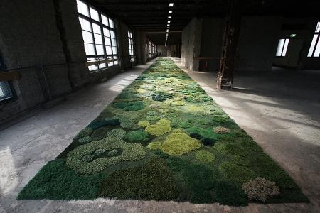 生い茂る森林を再現した絨毯11