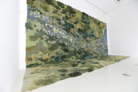 生い茂る森林を再現した絨毯01