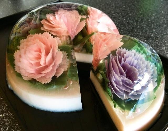本物のお花を閉じ込めたようなケーキの画像(1枚目)