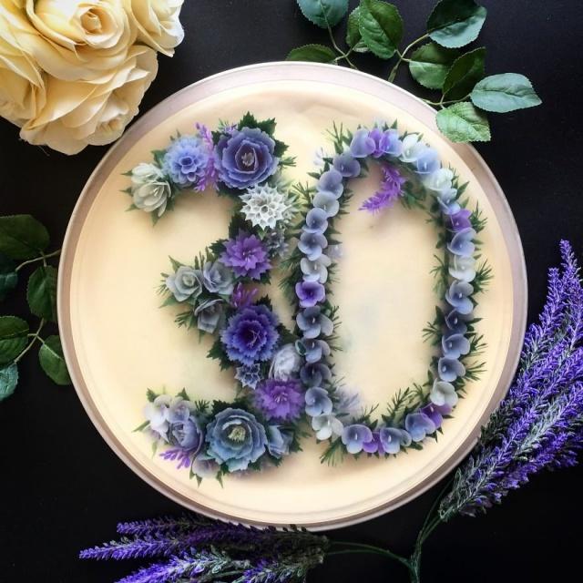 本物のお花を閉じ込めたようなケーキの画像(16枚目)