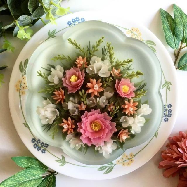 本物のお花を閉じ込めたようなケーキの画像(17枚目)