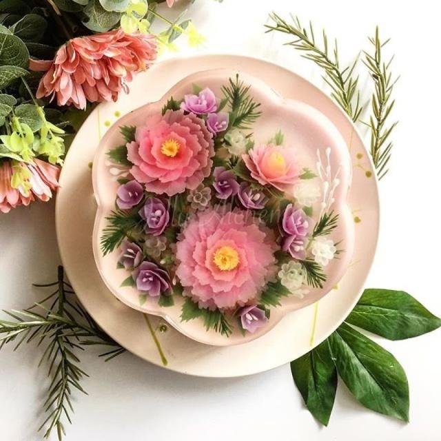 本物のお花を閉じ込めたようなケーキの画像(7枚目)