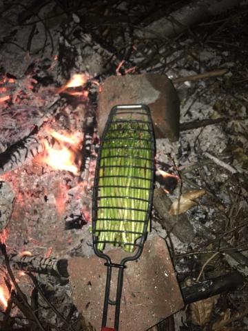 お肉と大量のアスパラを一気に焼ける網04