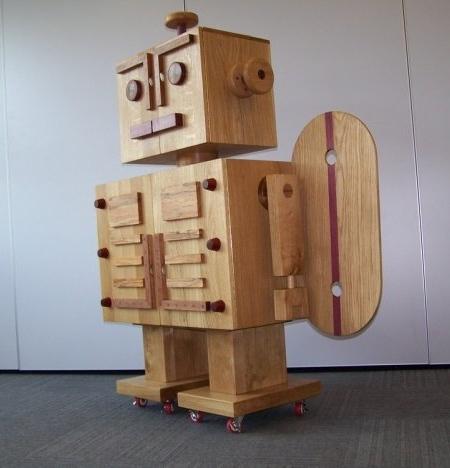 ロボット型のタンス05