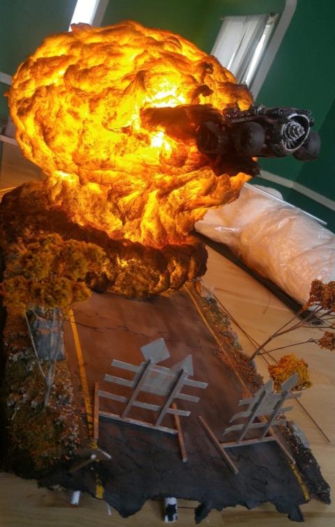 爆風がリアル過ぎるジオラマ模型01