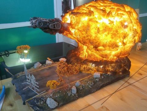 爆風がリアル過ぎるジオラマ模型08