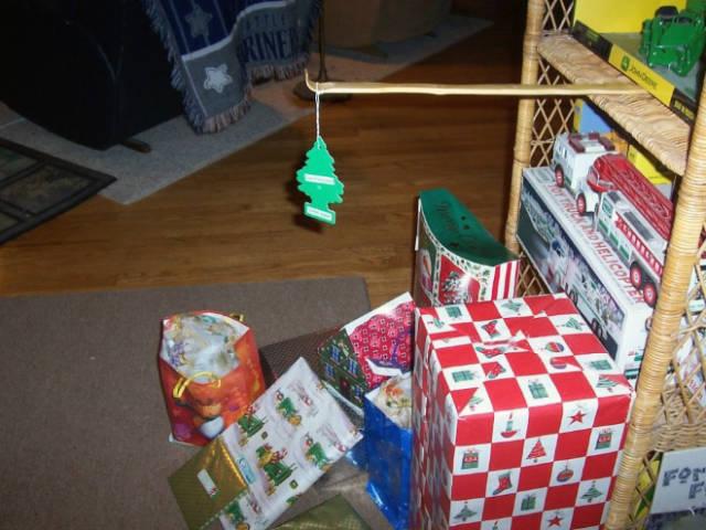 猫や犬がいる家のクリスマスツリーの画像(8枚目)