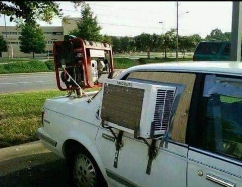 凄まじい方法で修理されている自動車04