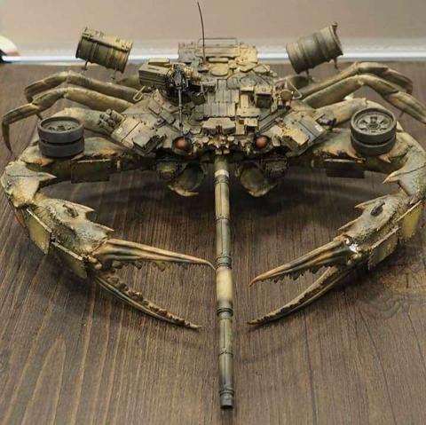 カニ型の戦闘兵器01