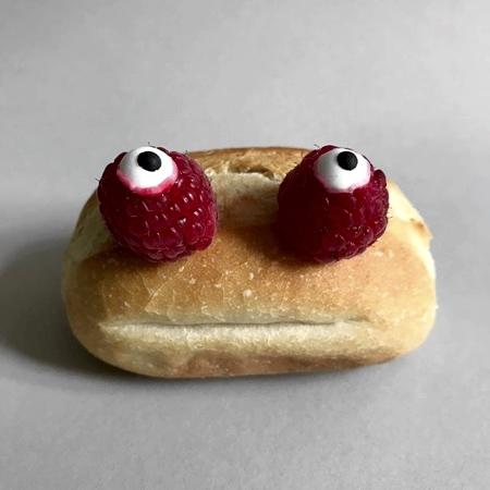 パンで作った可愛いキャラクター05