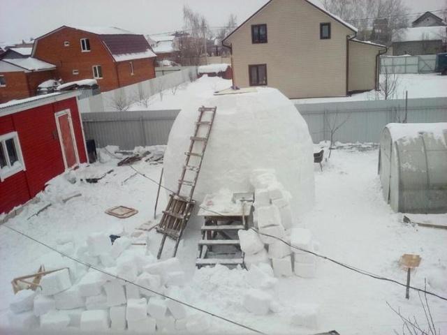 高さ3階分の!巨大過ぎる雪だるまを自作!!
