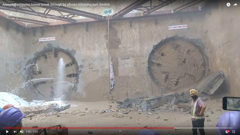 シールドマシーンが同時にトンネルを開通04