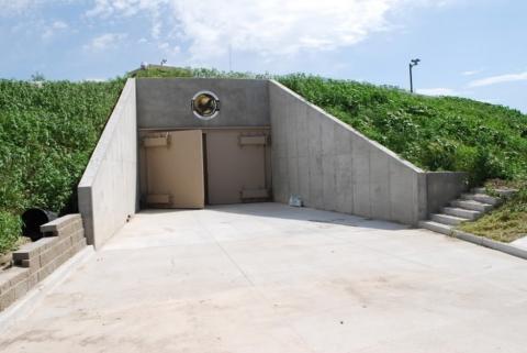 元ミサイル発射施設を使ったマンション01