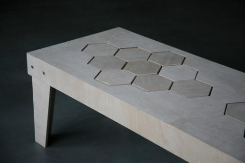 柔らかい木製のベンチ02